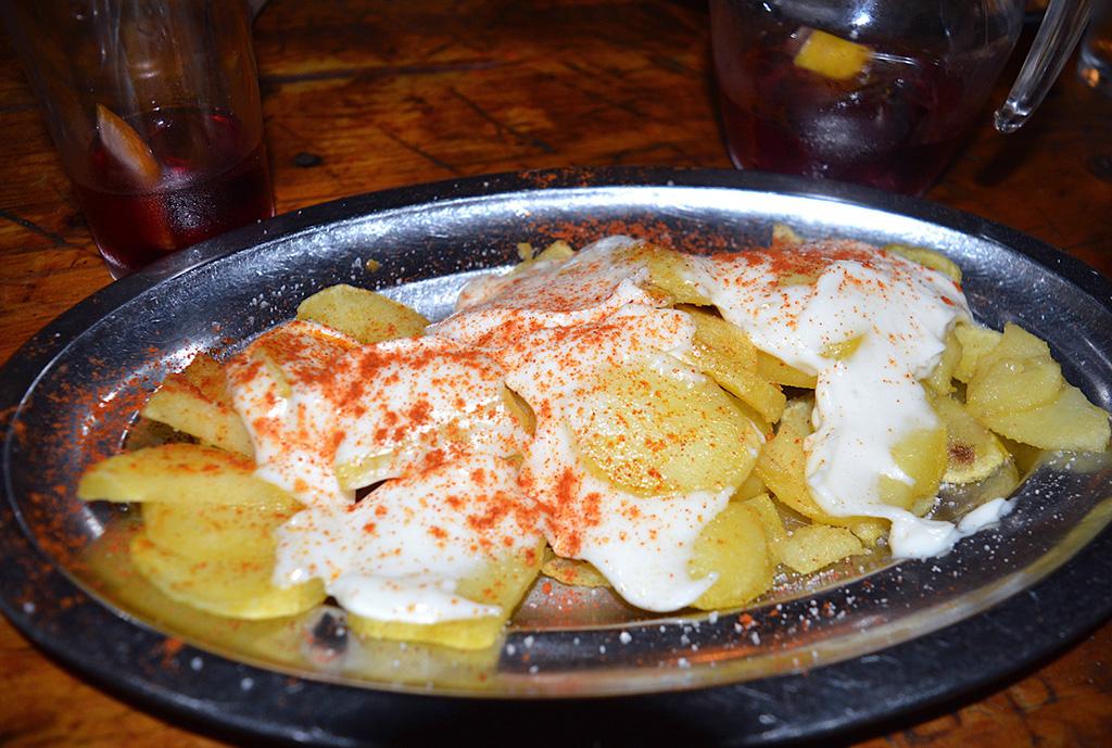plat de patatas bravas