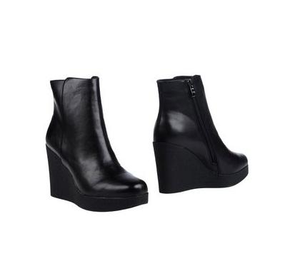 low boots a talons noires