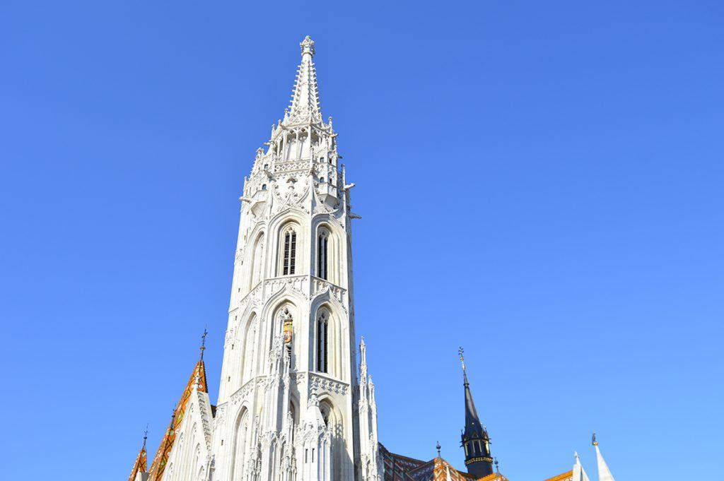 église notre dame de l'assomption a budapest en hongrie