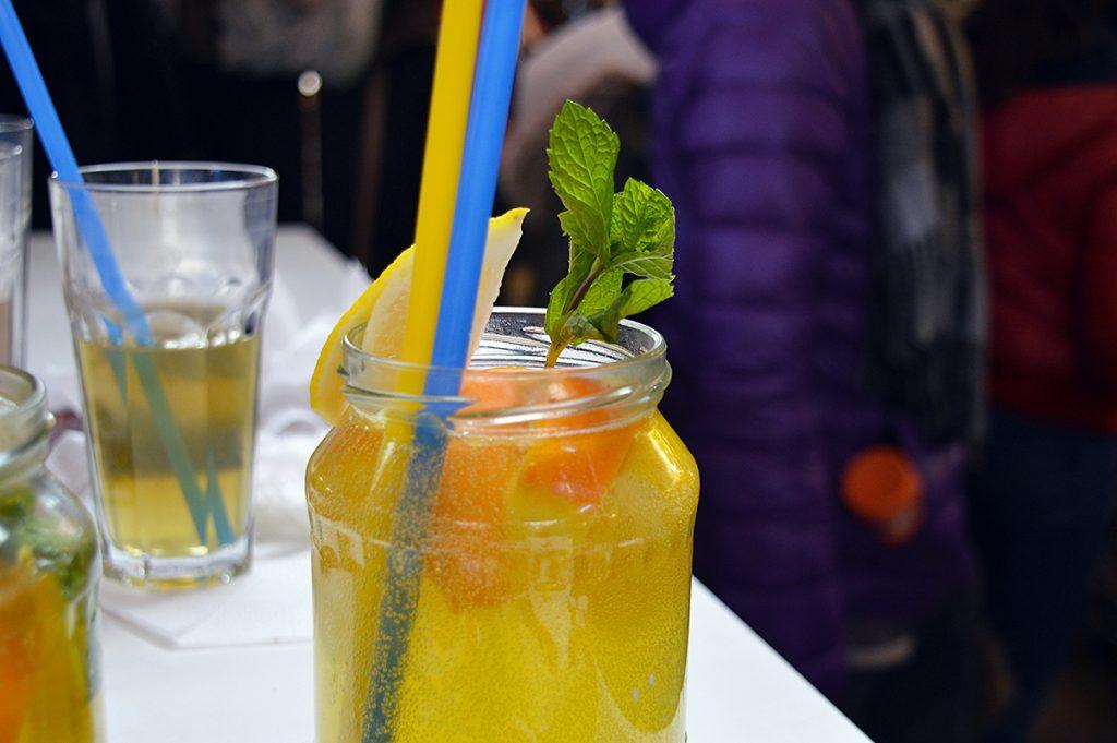 limonade au marché couvert de budapest en hongrie