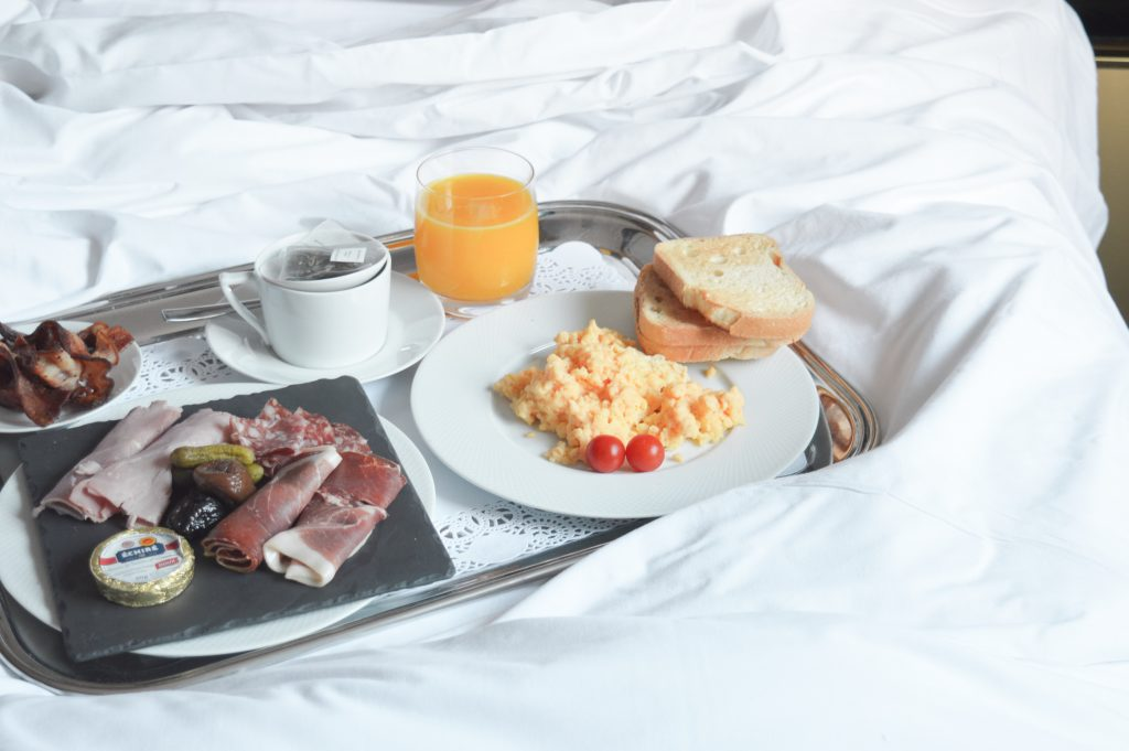 hotel-baume-petit-dejeuner
