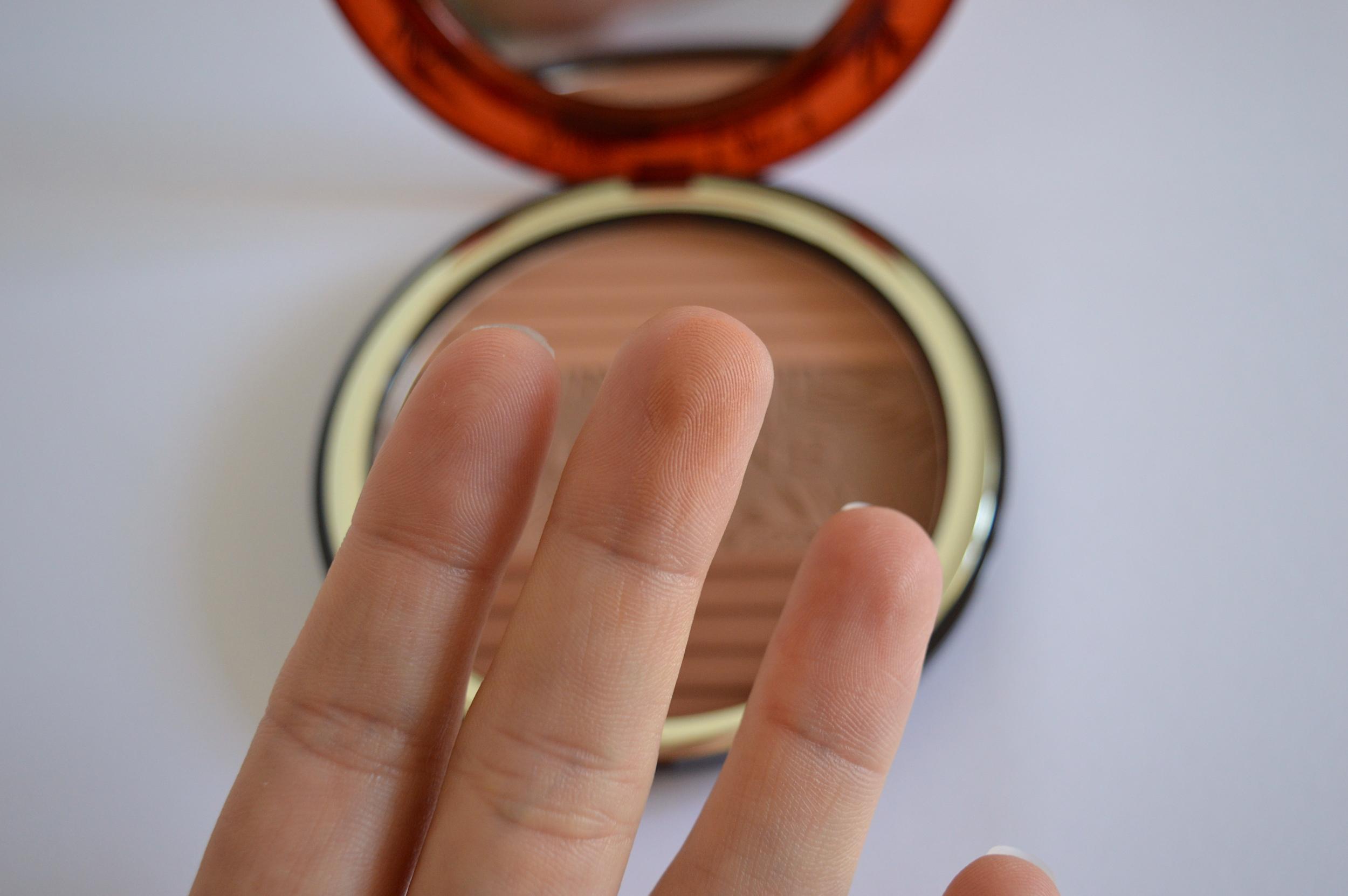 poudre bronzante clarins