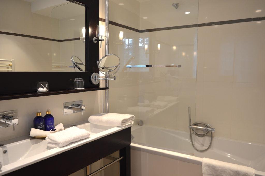salle de bain au domaine de bellevue
