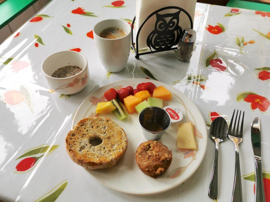 petit dejeuner de l'auberge sur la cote