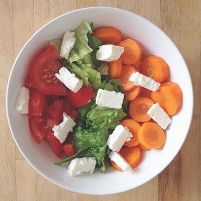 mode de vie healthy : une assiette de crudités